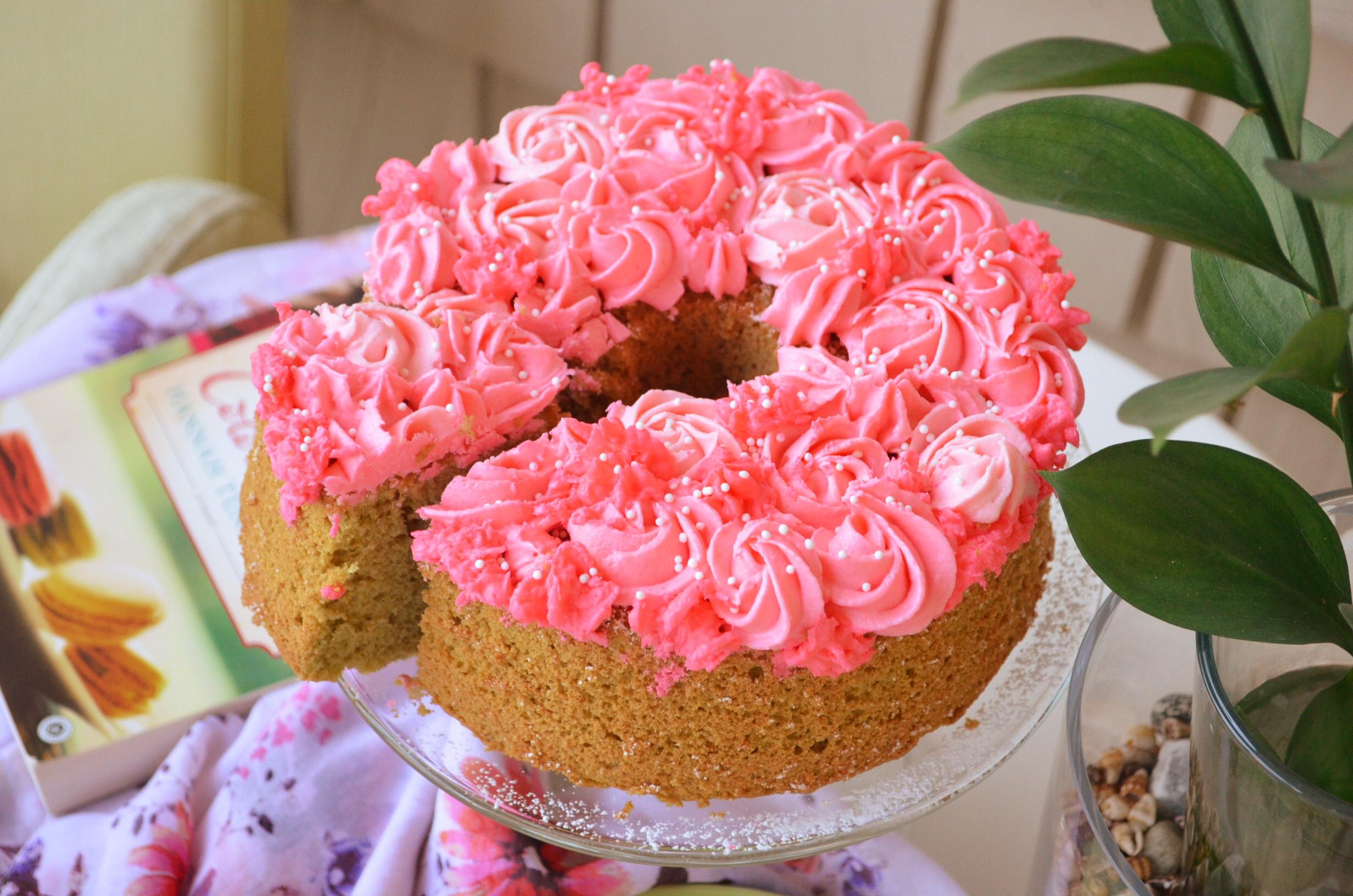 Small Batch Matcha Chiffon Cake