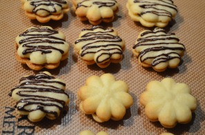 Shortbread Cookies with Chocolate Ganache