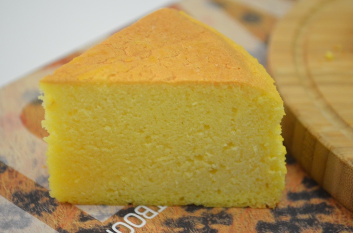 Small Batch Vanilla Ogura Cake