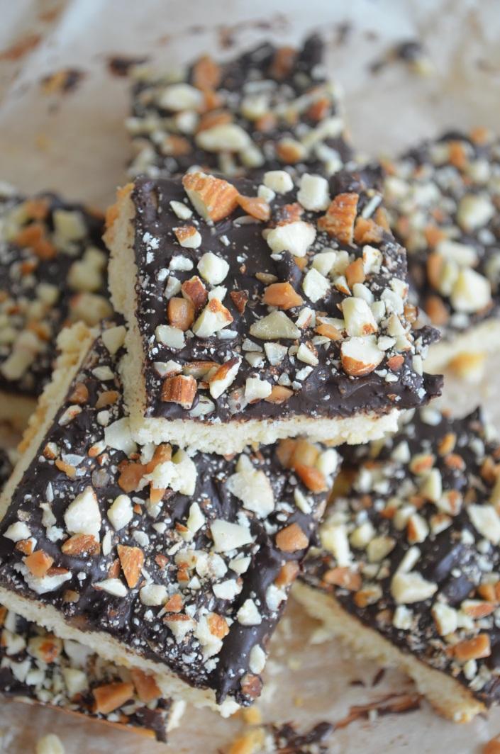 Simple Shortbread Bar with Chocolate Ganache