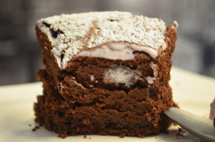 4 Ingredients Flourless Chocolate Cake
