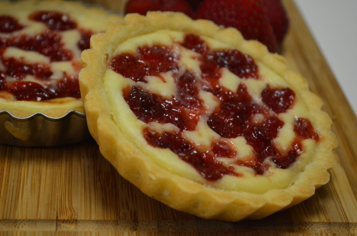 Mini Strawberry Cream Cheese Tart