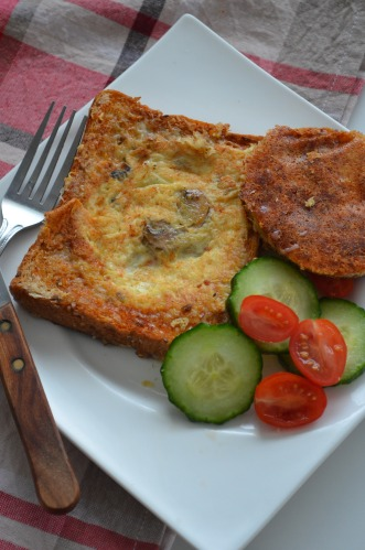 Cheesy Egg in a Hole Recipe