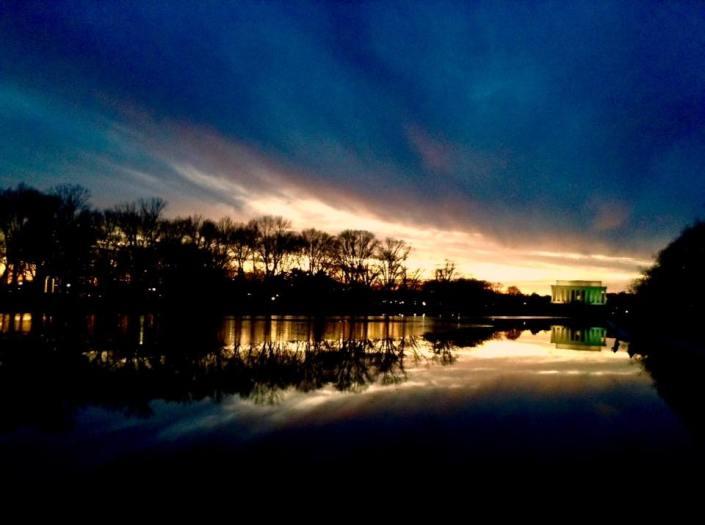 sunset-at-reflecting-pool-lincoln-memorial