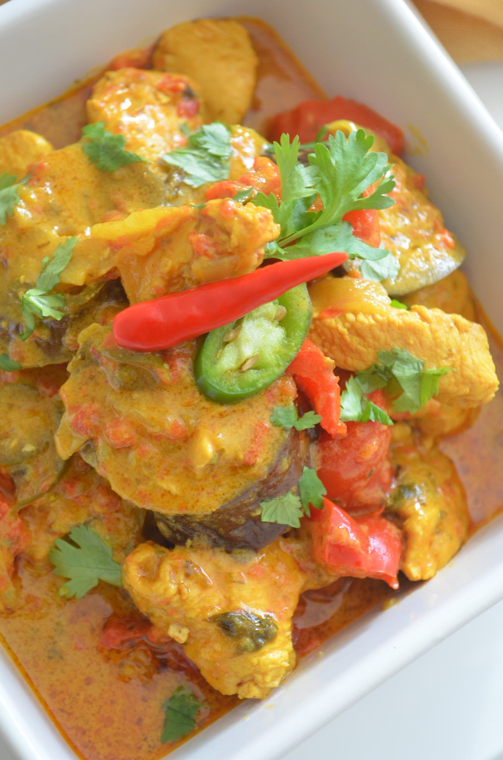 Spicy Thai Red Chicken Curry in Coconut Sauce