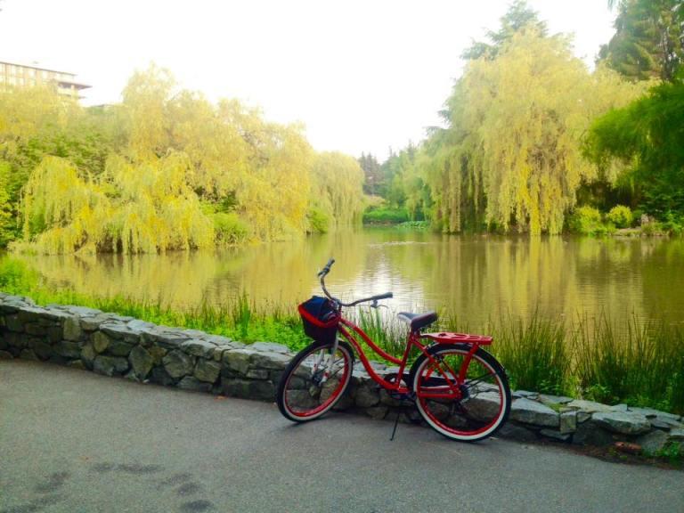Explore British Columbia - Richmond: Minoru Park, Quite