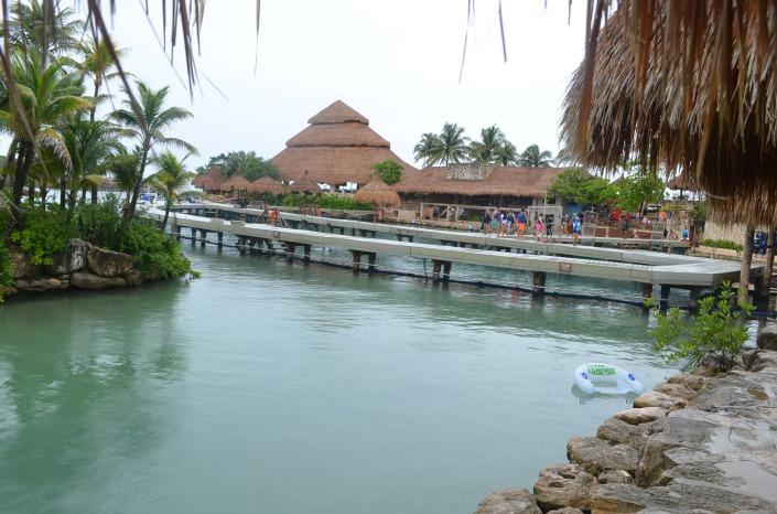 Dolphinarium Xcrate Mexico