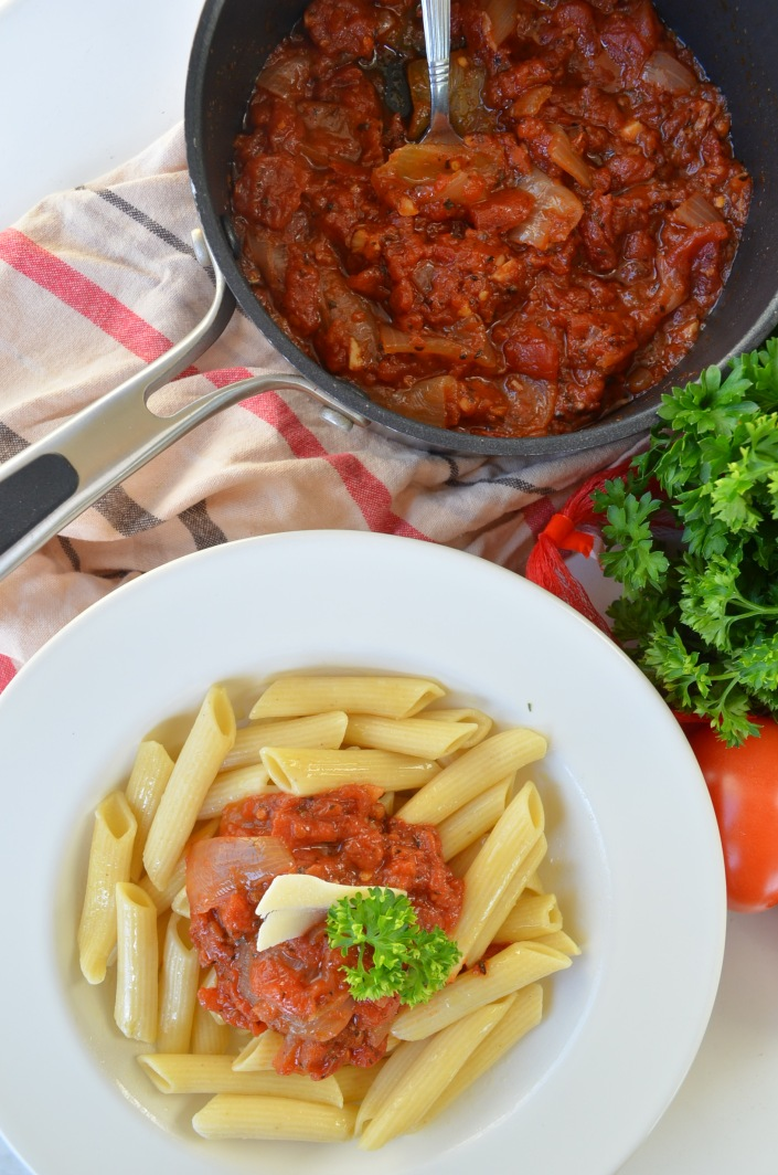 One Pan Tomato Pasta Sauce Recipe
