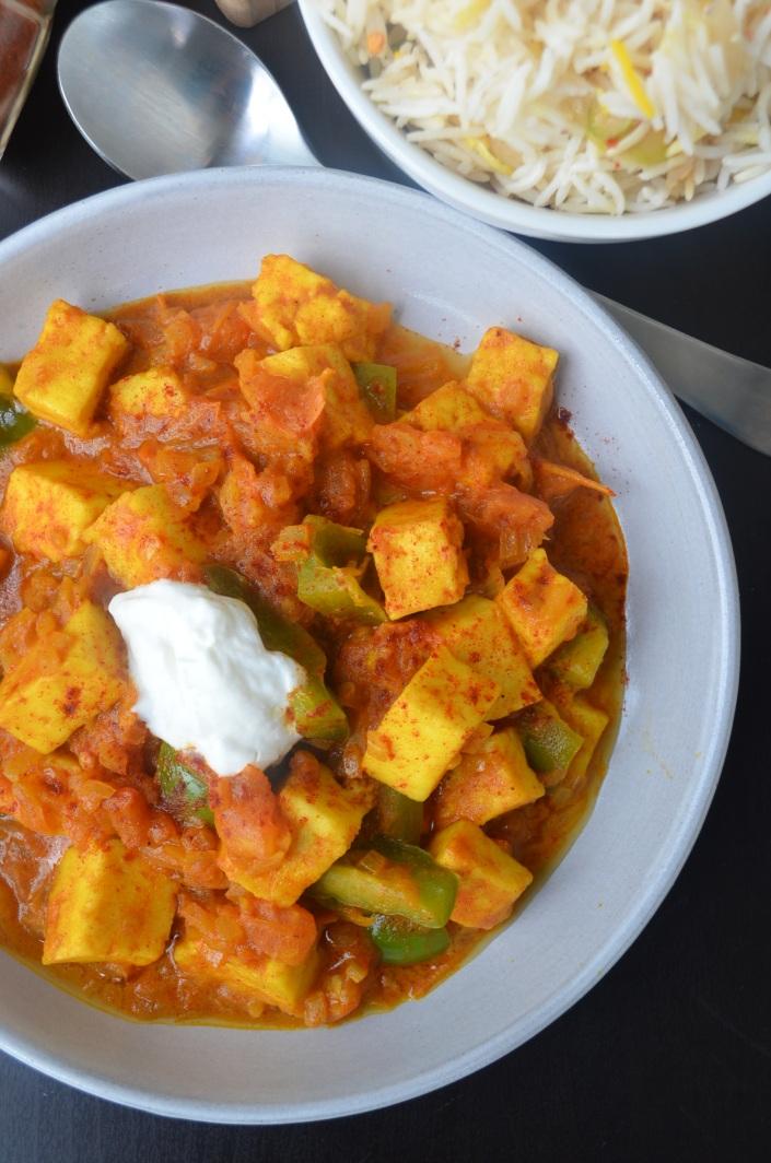 Easy Paneer Curry in Coconut Sauce Paneer Masala Curry Paneer at SweetnSpicyLiving.com