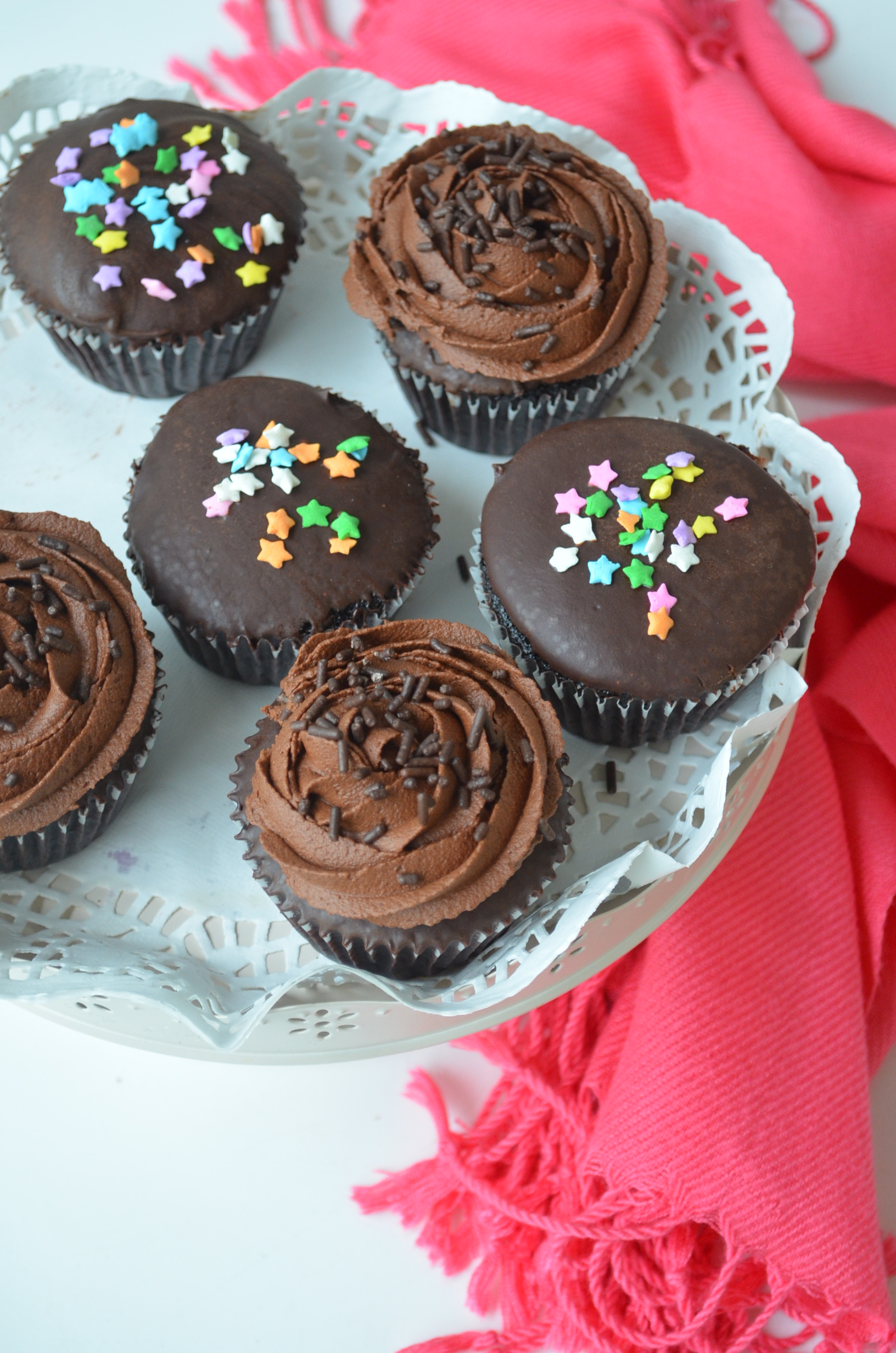 Simple Chocolate Cupcake with Chocolate Ganache Frosting