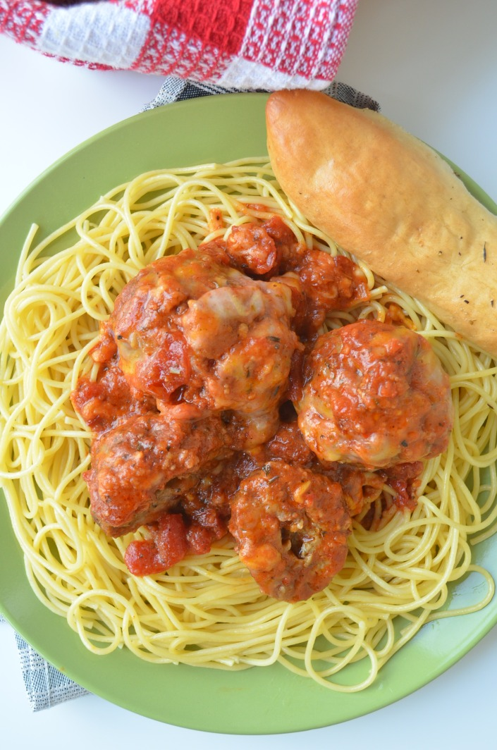 Simple Meatballs Spaghetti at SweetNSpicyLiving.com