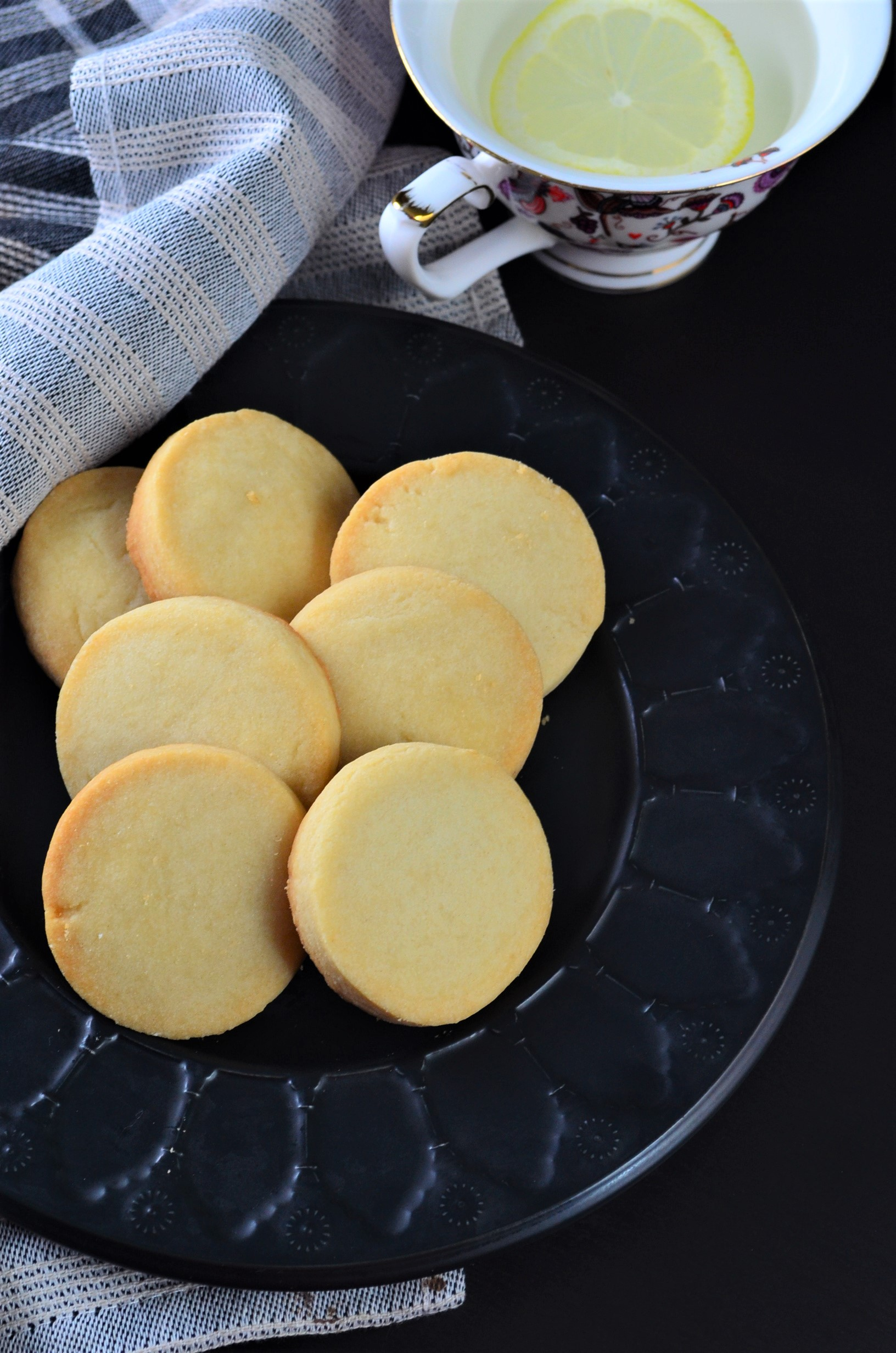 Shortbread Cookie Recipe SweetNSpicyLiving