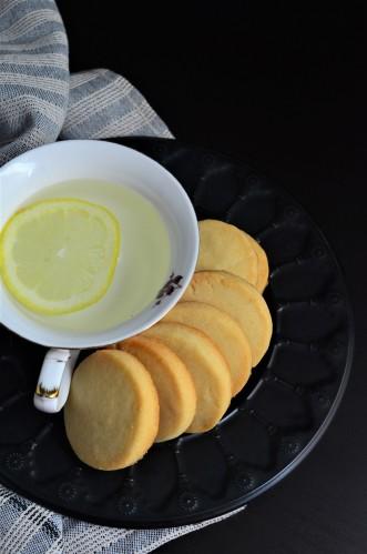 Simple Shortbread Cookie SweetNSpicyLiving