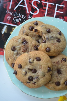 Soft Nutella Stuffed Chocolate Chip Cookies