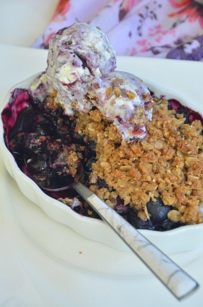 Small Batch Blueberry Crumble Crisp