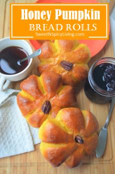 Honey Pumpkin Bread Roll