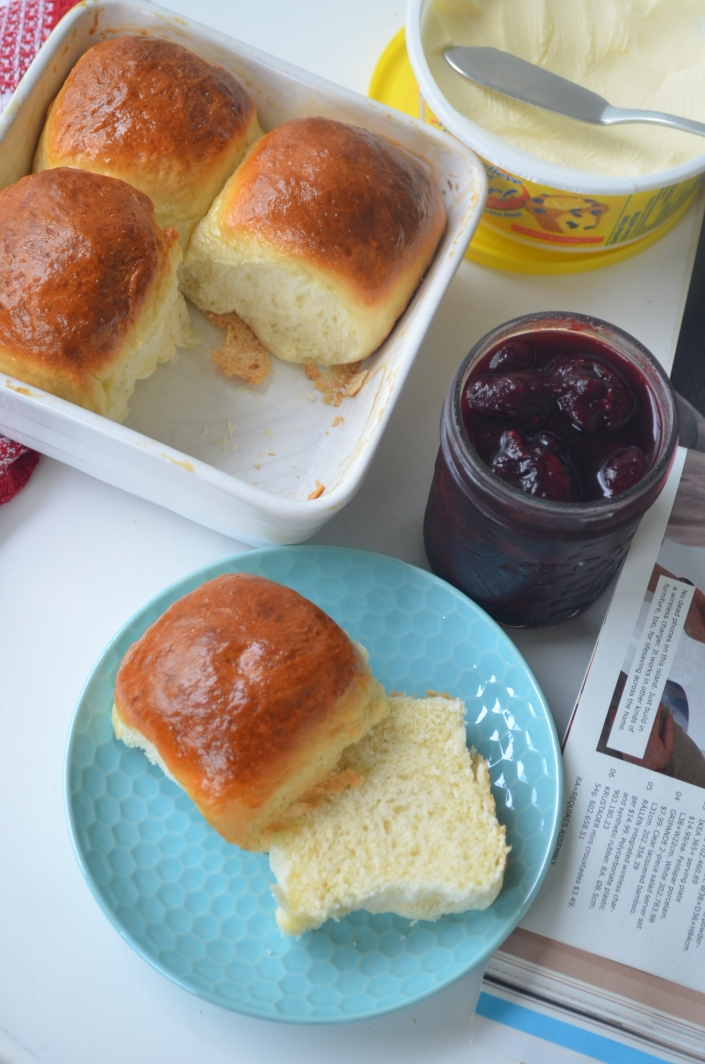 One Hour Dinner Rolls For Two