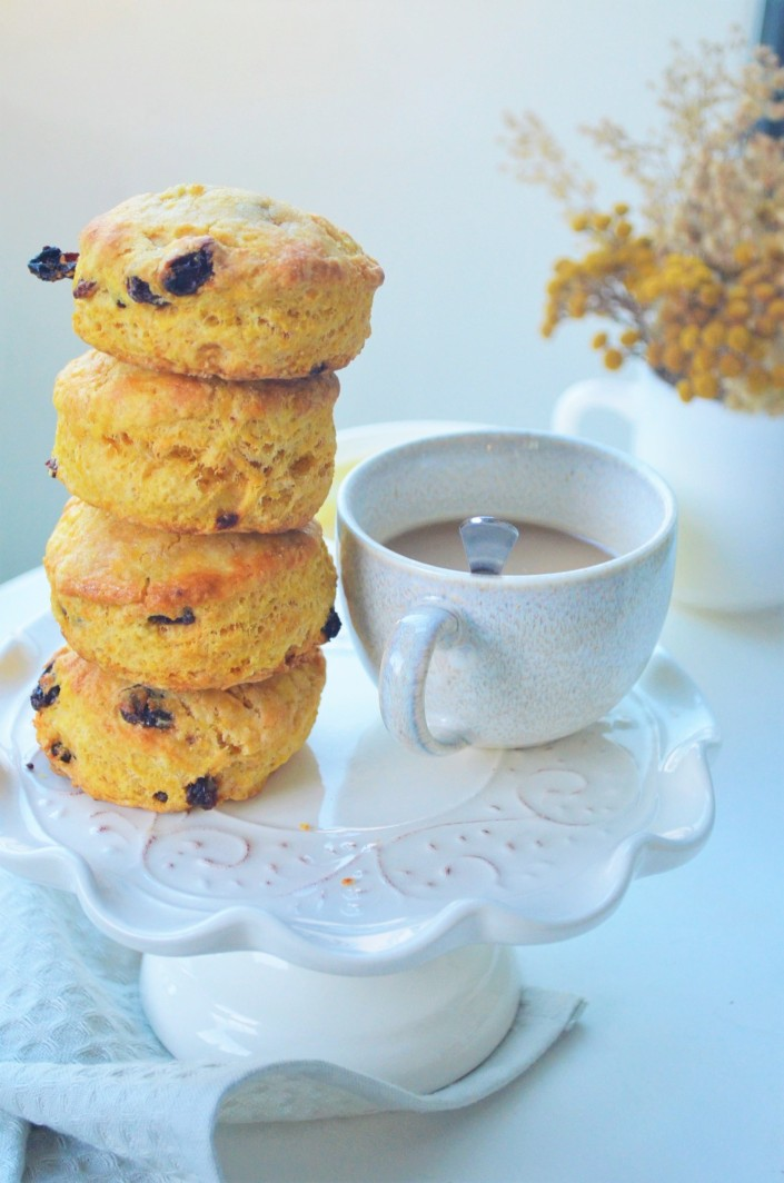 Tall and Flaky Pumpkin Raisins Scones