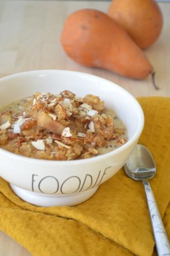 Small Batch Pear Almond Crumble Oatmeal