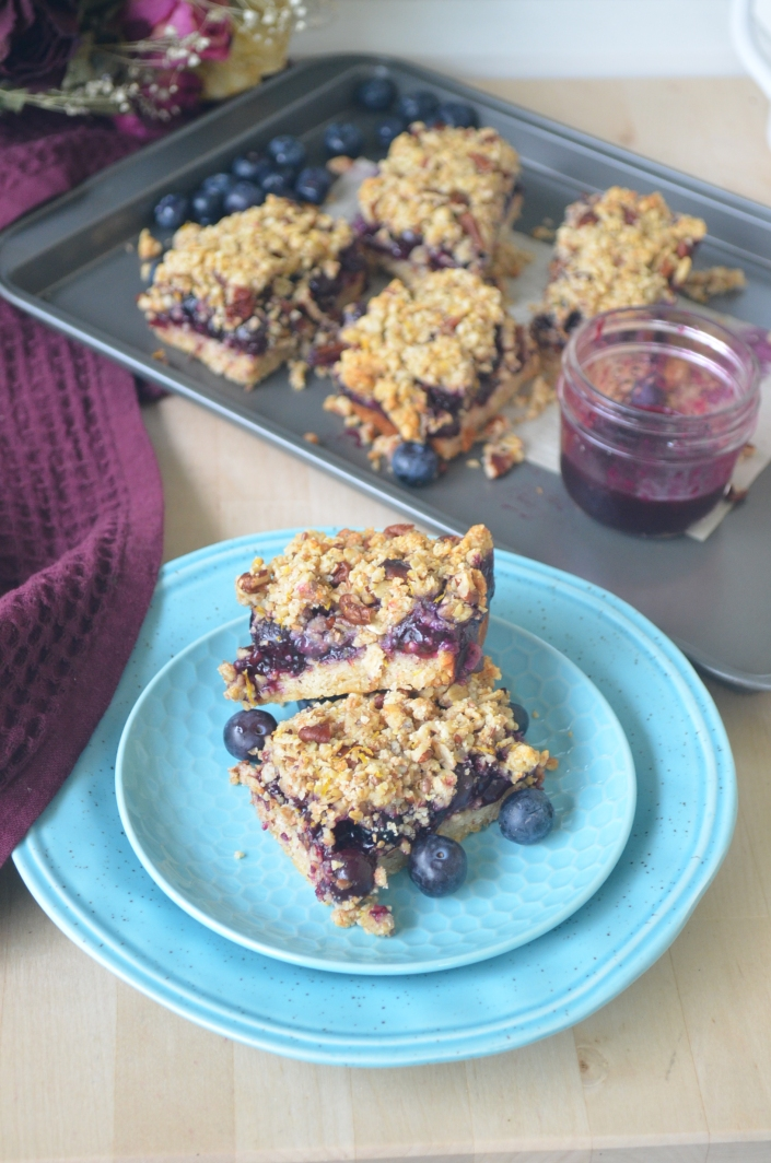 Vegan Blueberry Lemon Crumb Bar