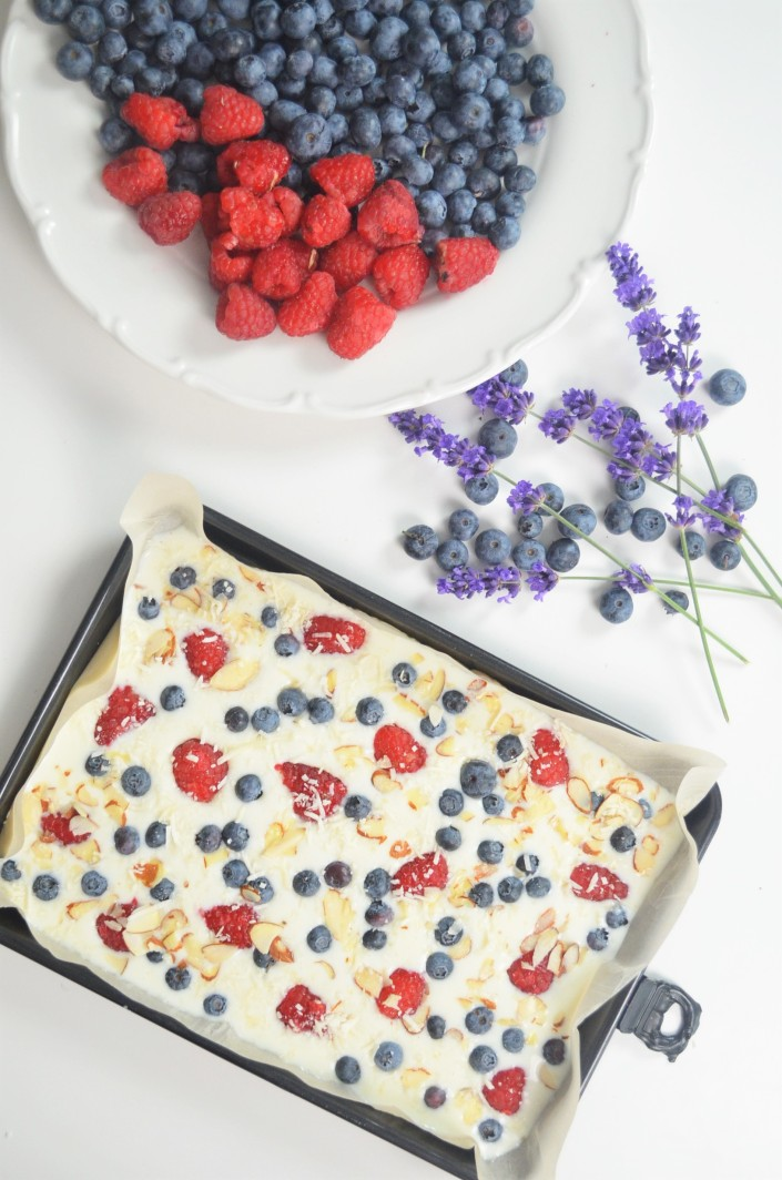 Berries and Almond Frozen Yogurt Bark