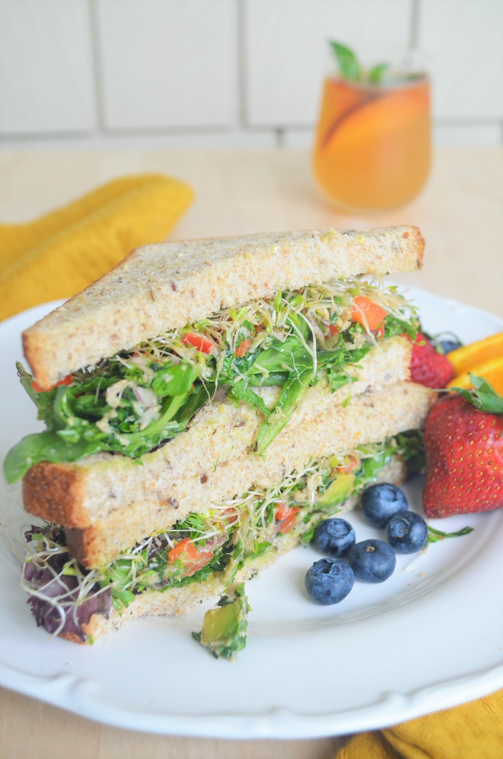 Healthy Tuna and Avocado Sandiwch