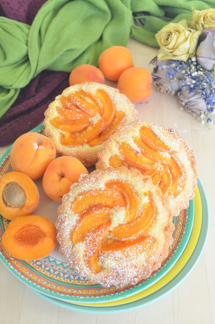 Mini Apricot Almond Cake