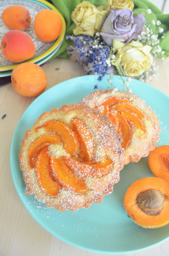Mini Apricot Almond Tart