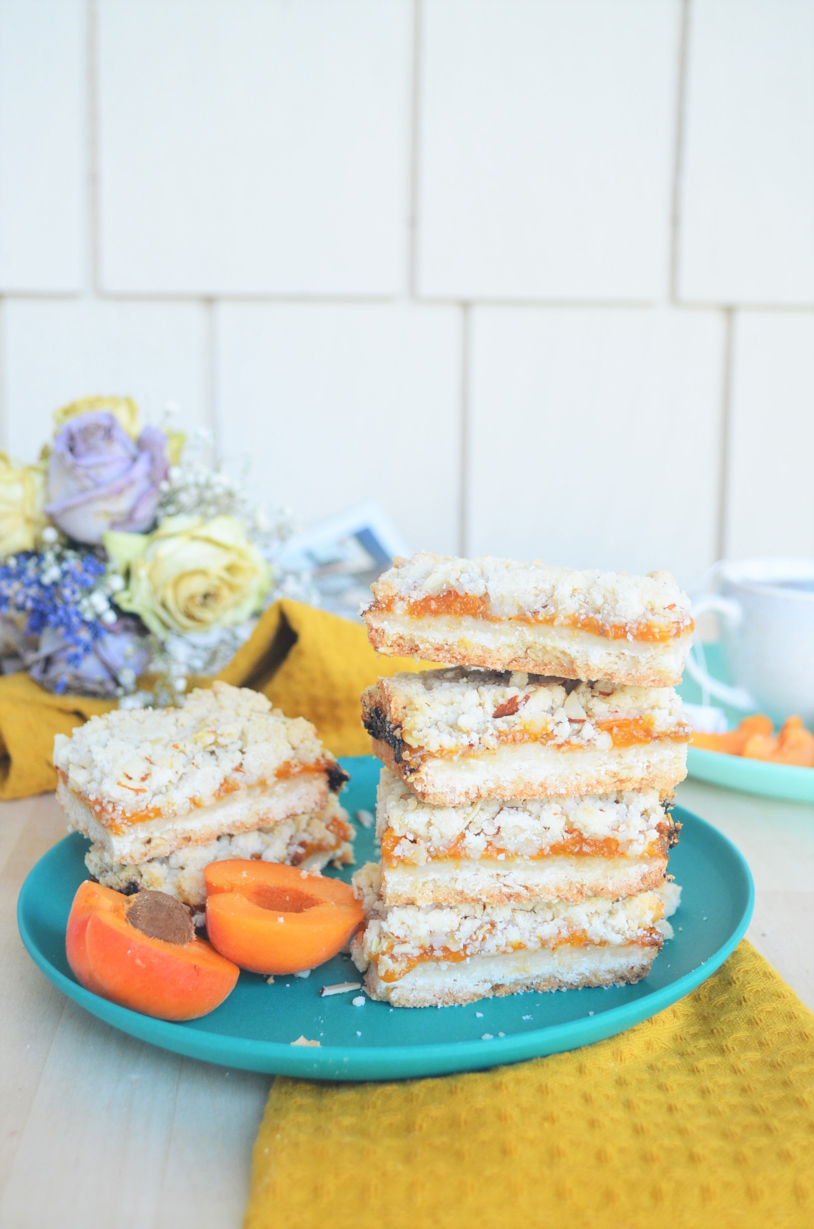 Small Batch Apricot Oats Crumb Bar