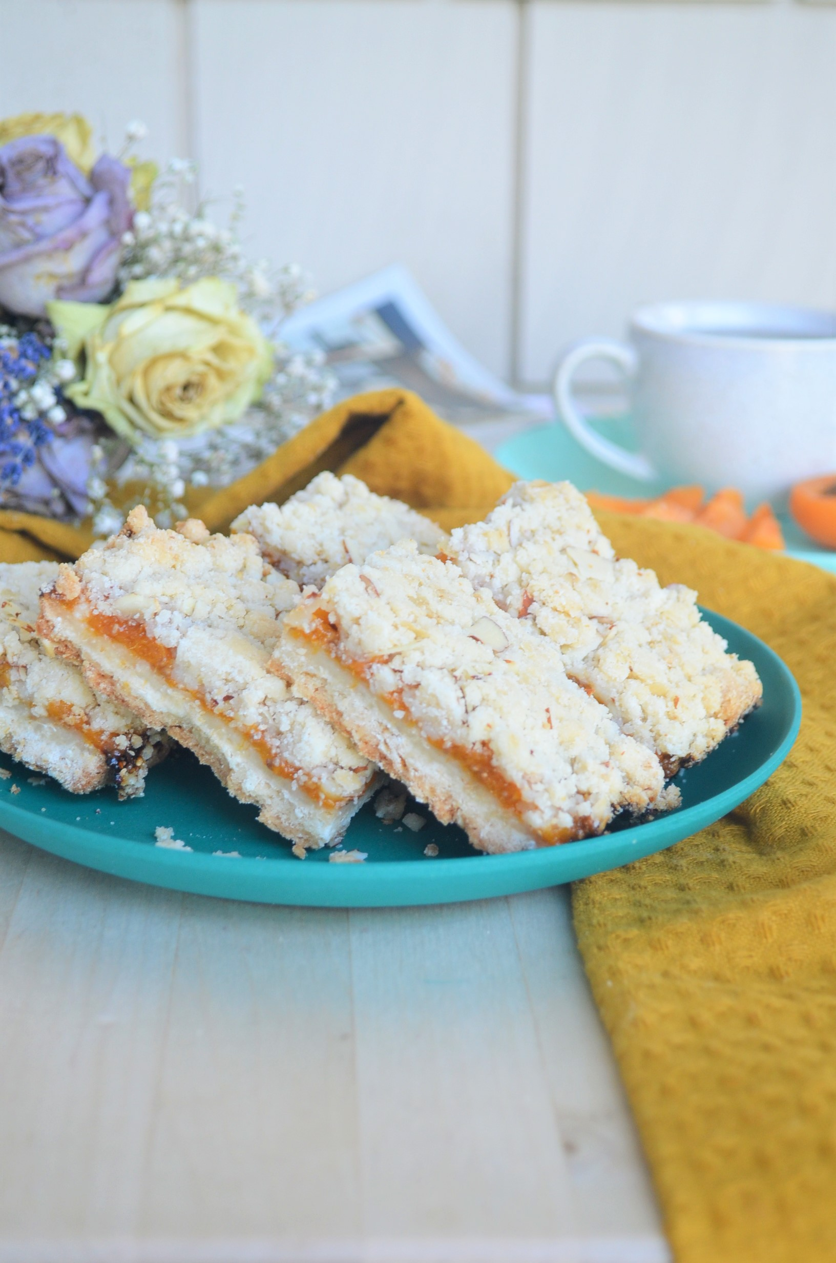 Small Batch Apricot Shortbread Oats Bar