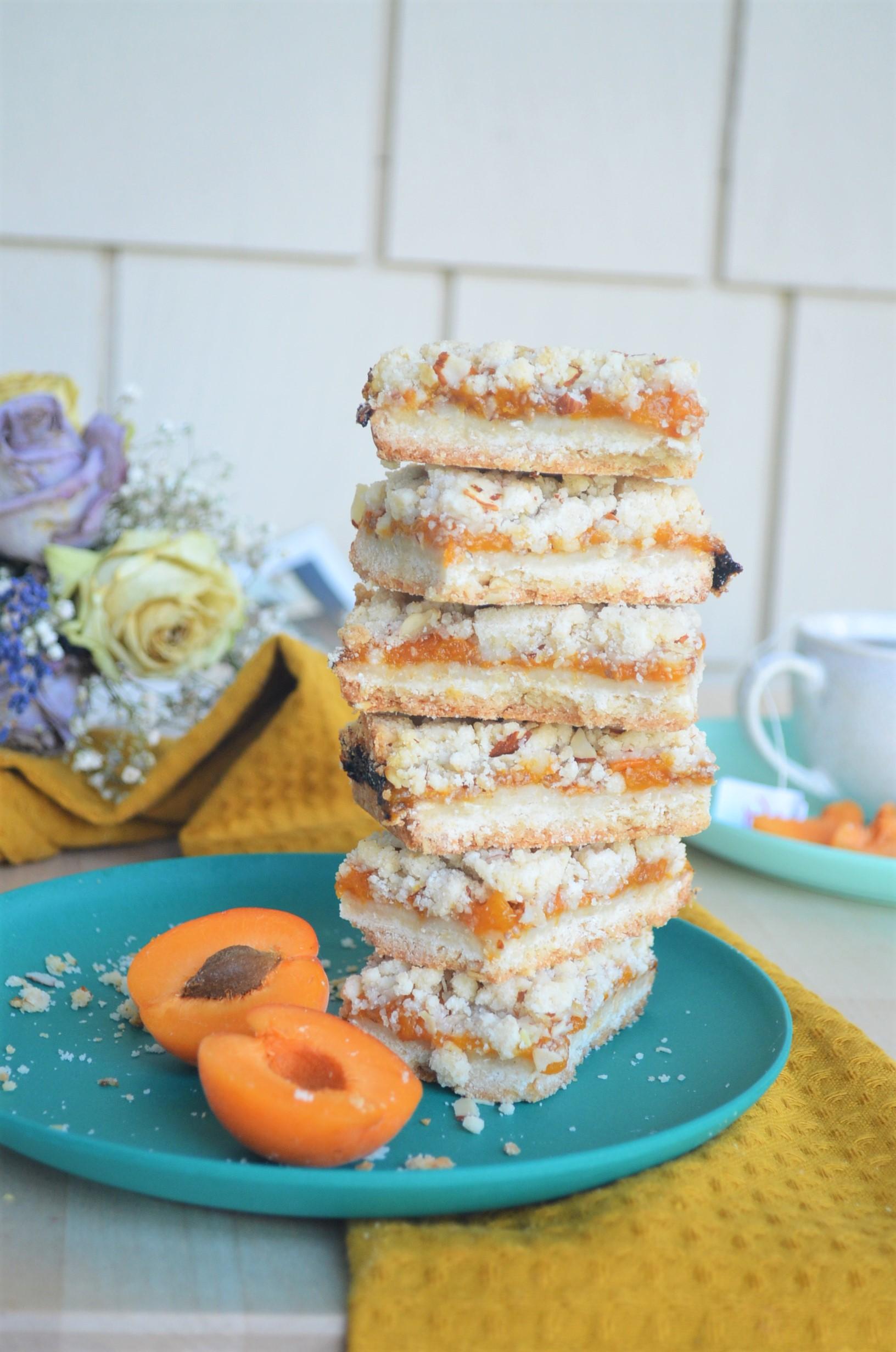 Small Batch Apricot Shortbread Oats Crumb Bar
