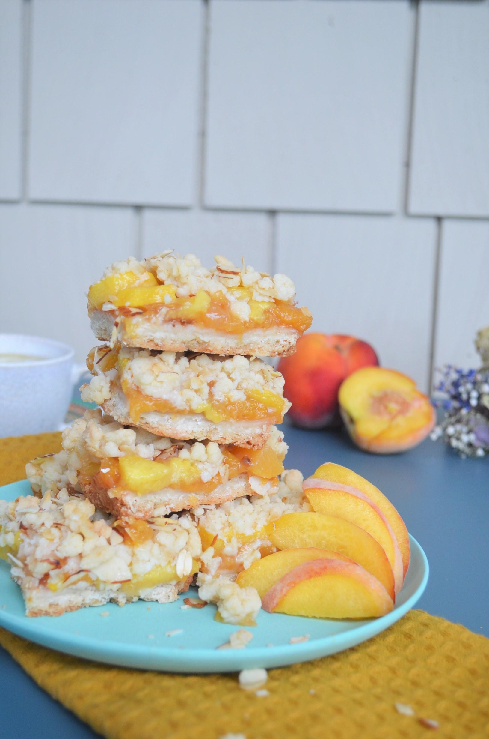 Peach Oats Crumb Bar
