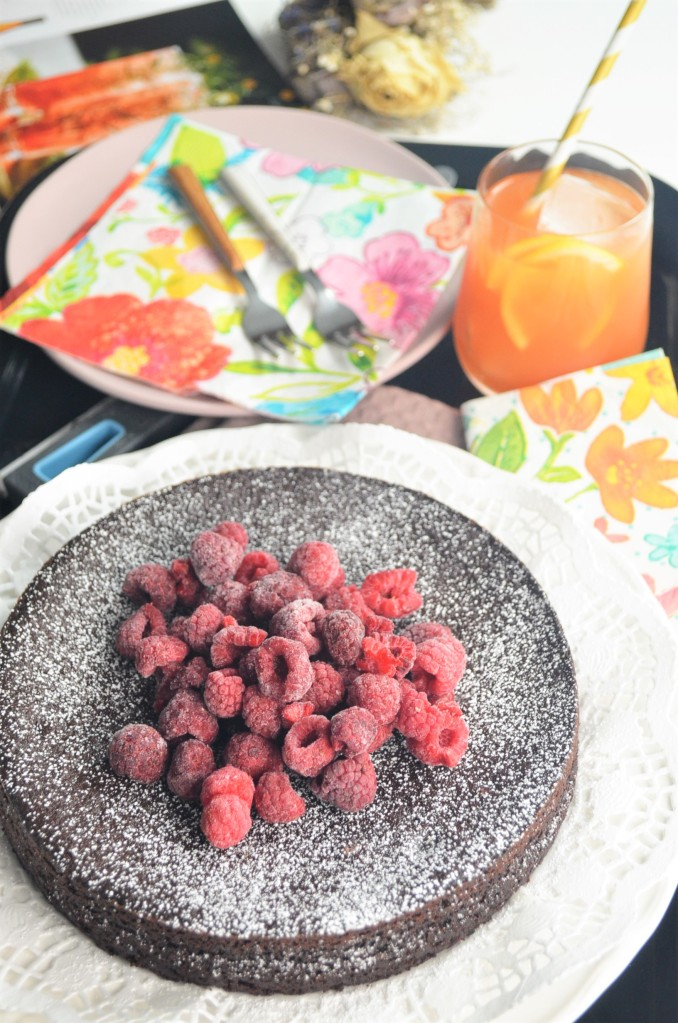 Flourless Easy Quinoa Chocolate Cake