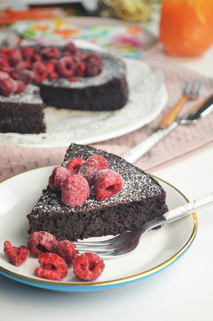 Flourless Gluten Free Quinoa Cake