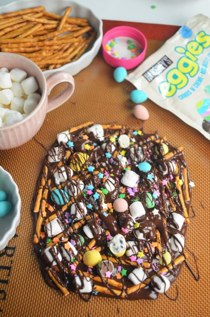 Easter Marshmallow and Pretzel Bark Chocolate