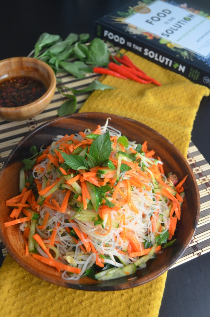 Vietnamese Vermicelli Salad with Chili Vinaigrette Sauce