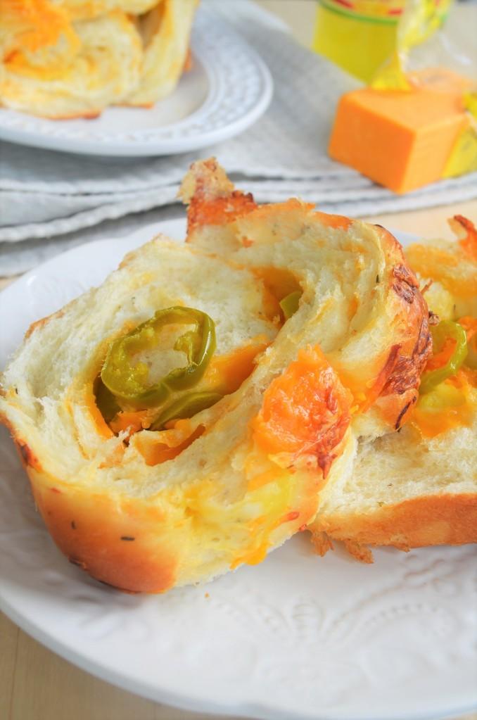 Jalapeno Pull-Apart Bread