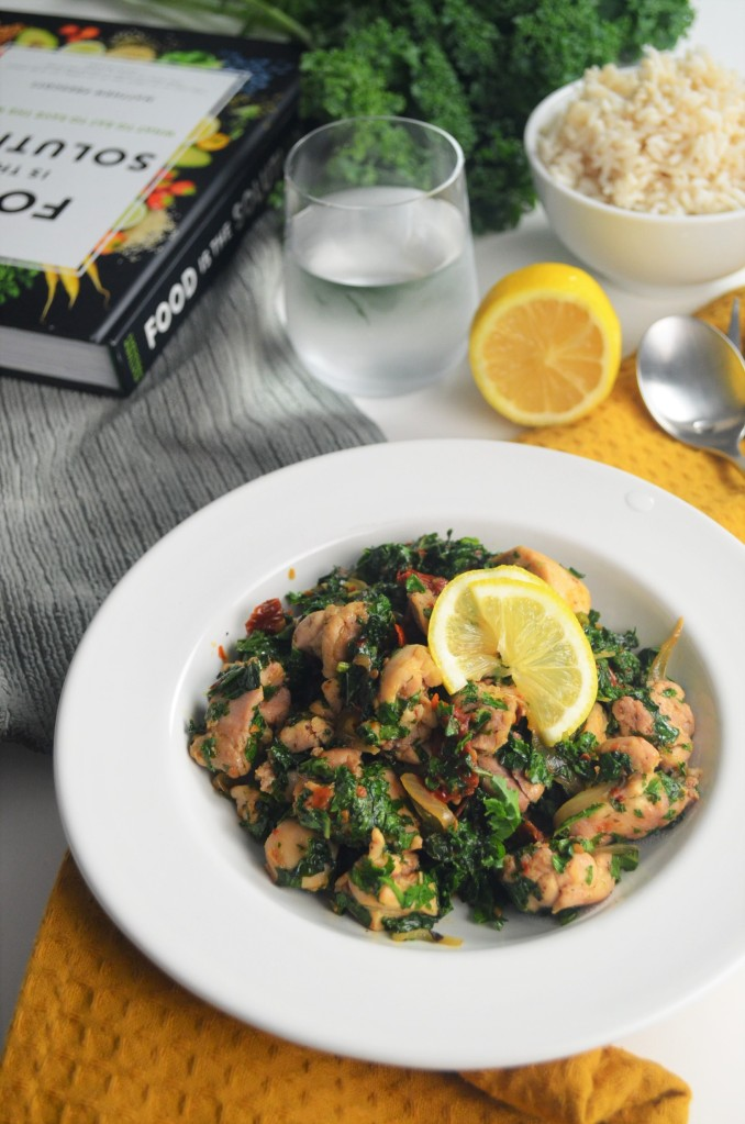 Easy Dinner Chicken  with Kale and Sundried Tomato