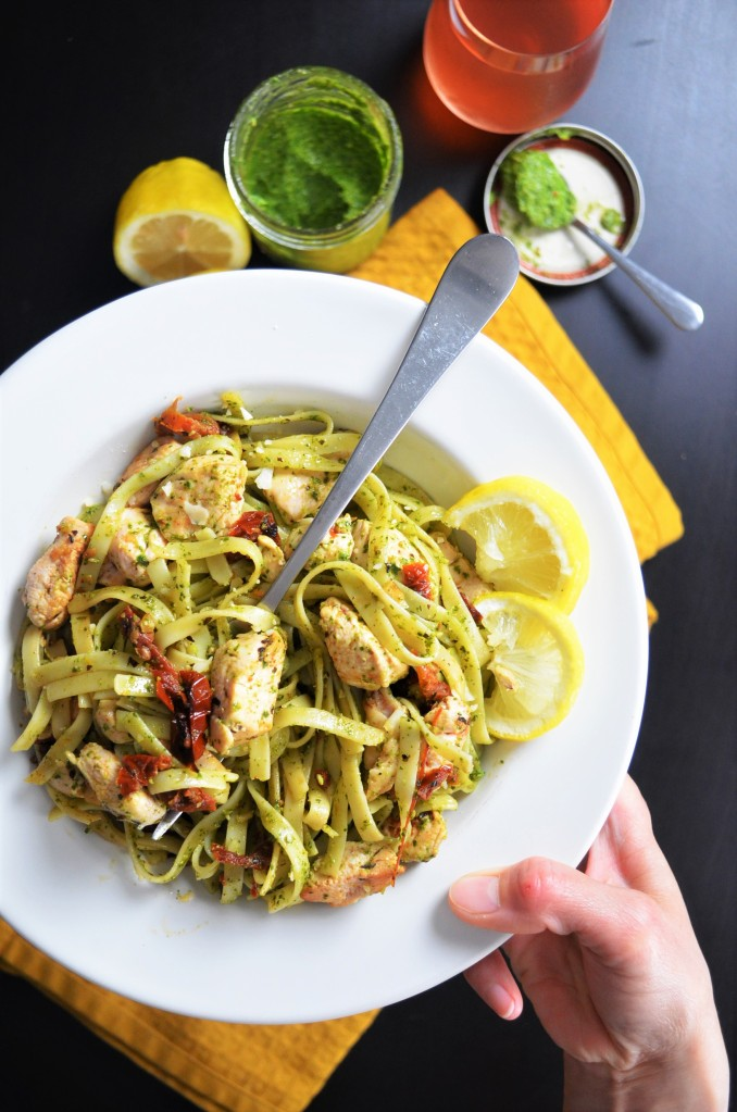 Sundried Tomato and Spinach Pesto Pasta
