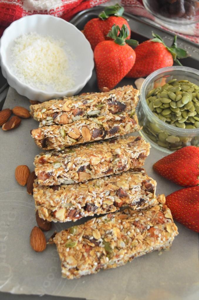Homemade Strawberry Dates Coconut Granola Bar