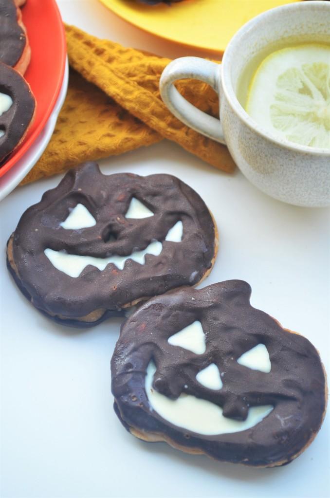 Pumpkin Shaped Shortbread Cookie