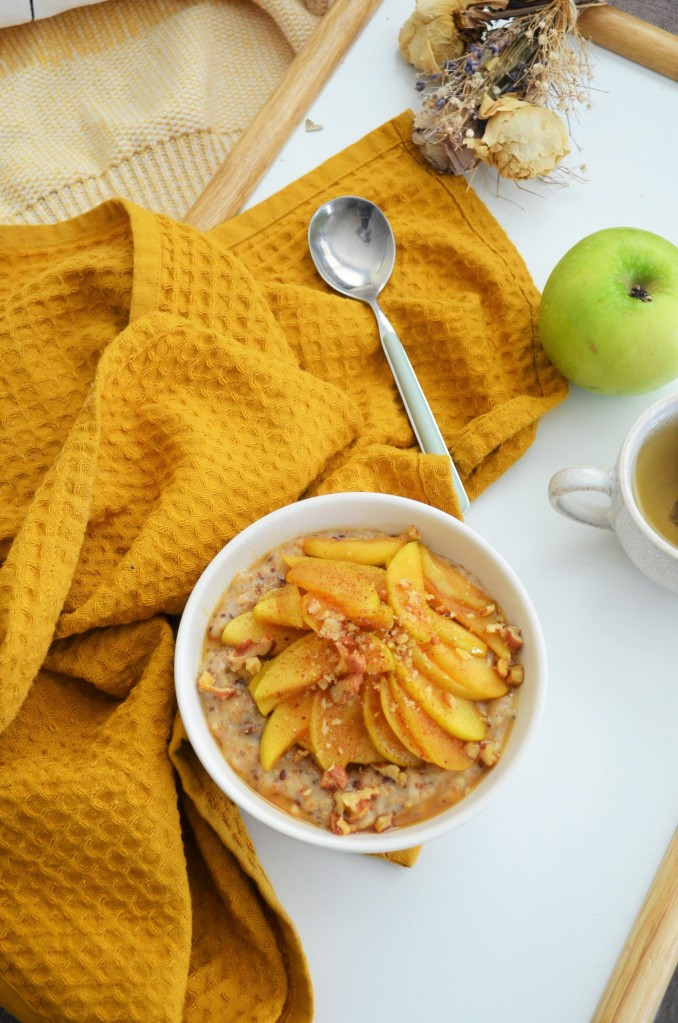 Caramelized Apple Oatmeal For One