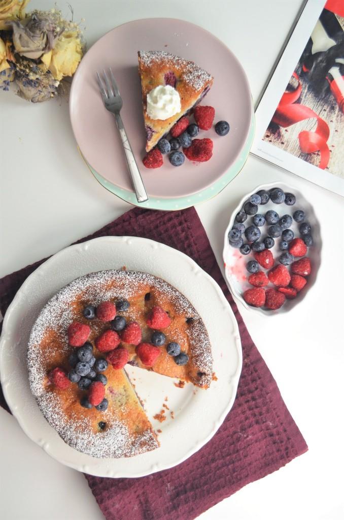 Ricotta Berries Cake