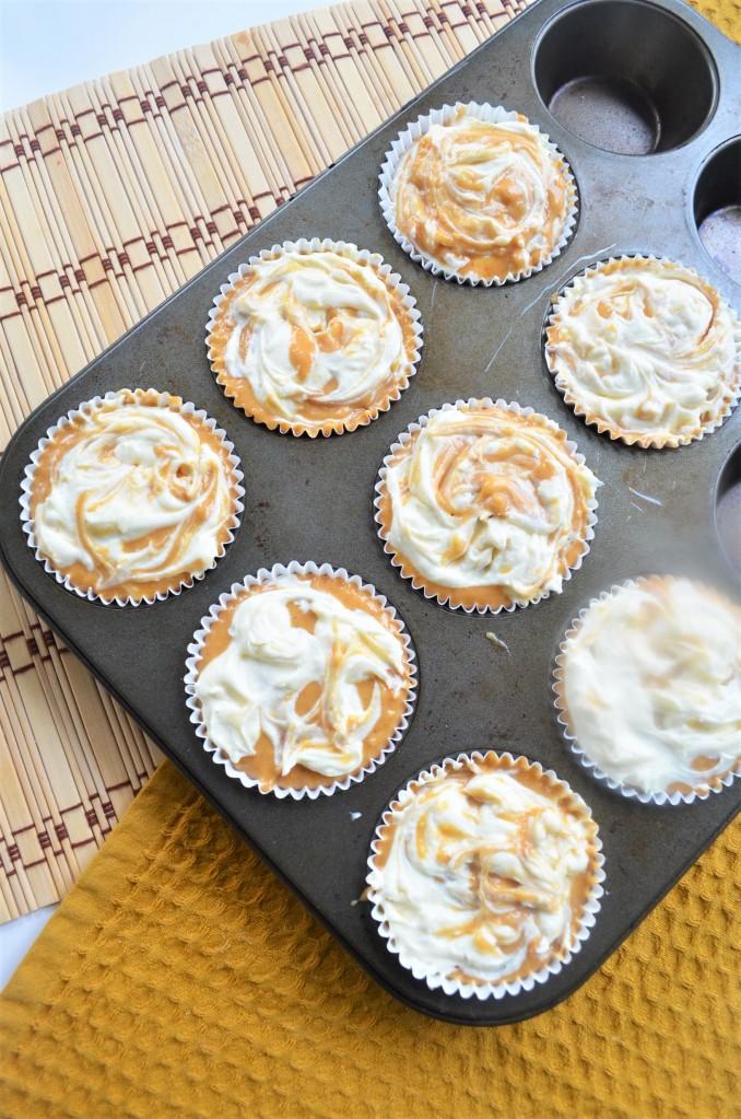 How to Make Pumpkin Cream Cheese MUffin